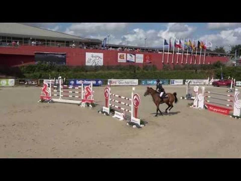 Karlin van 't Vennehof clear in 1m45 LR CSI3* Saint-Lô
