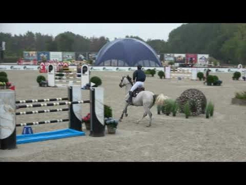 Manou de Muze again 3 days clear and second in final CSIYH